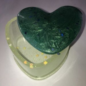 Other - Green heart box